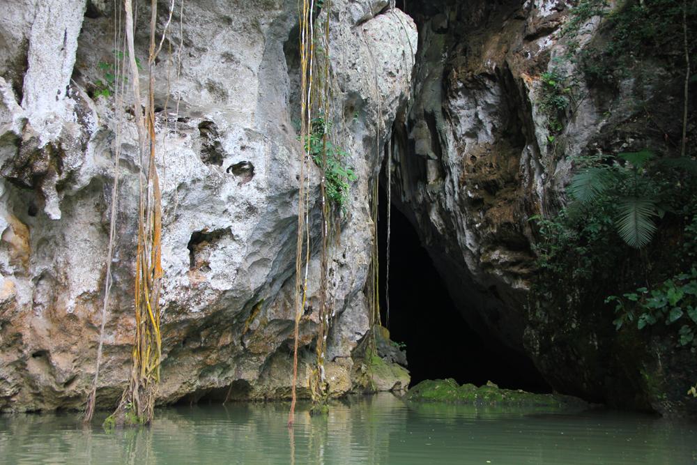 Barton-Creek-Entrance