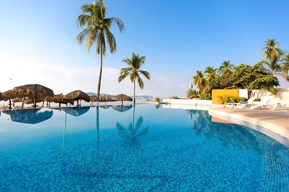 Krystal-Beach-Acapulco-Pool-001