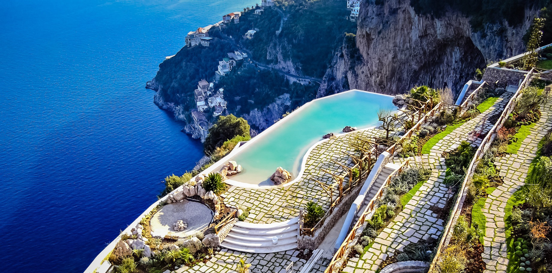 1-The-Glorious-Amalfi-Coast-Infinity-Poolside-Terra (1)