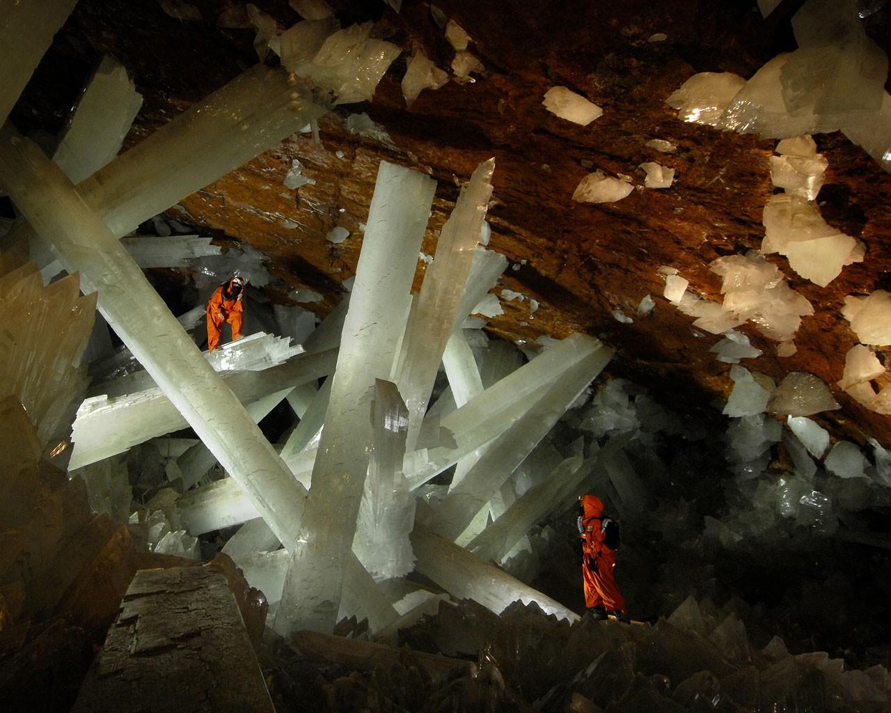 2 Crystal Caverns, Mexico