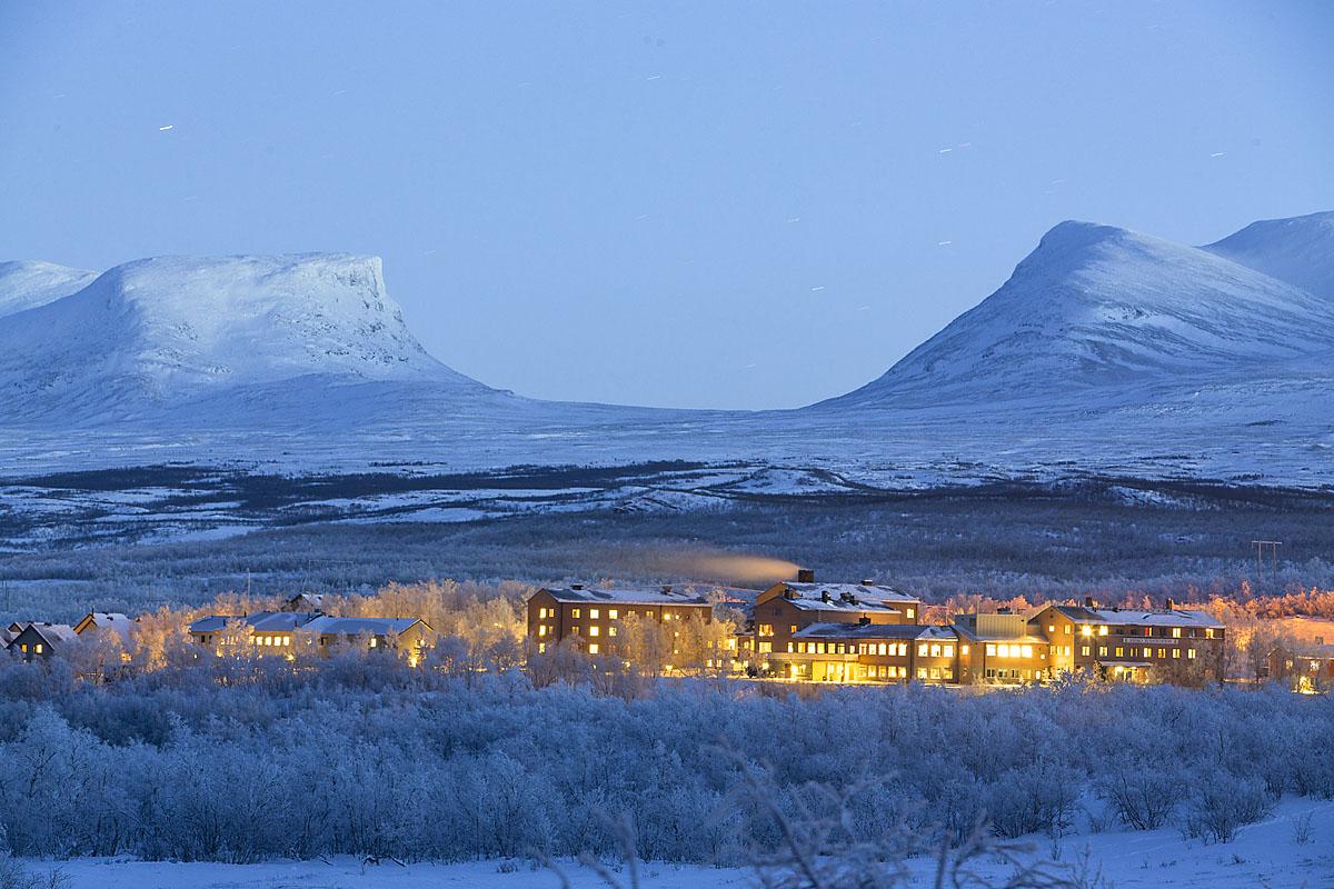 2 Abisko-Mountain-Station1 winter