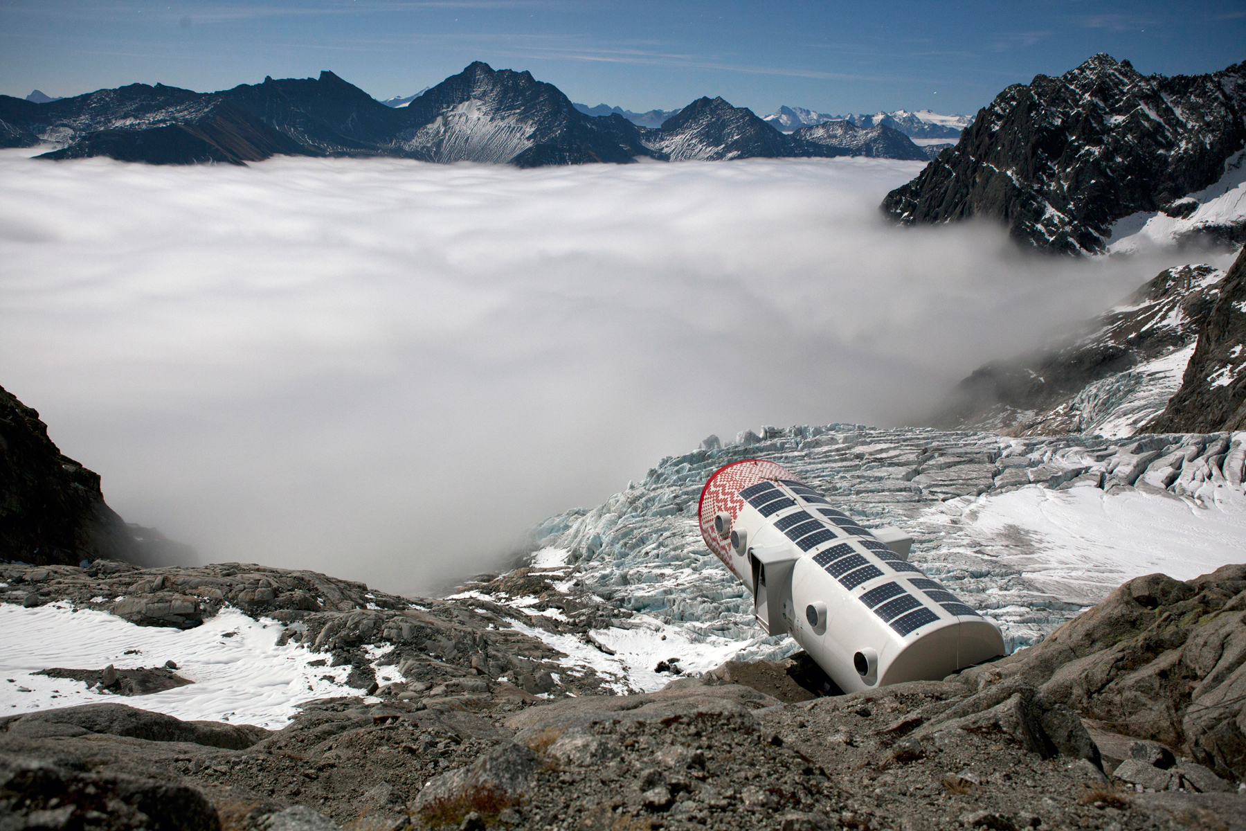 Bivacco Gervasutti, Mont Blanc (3)