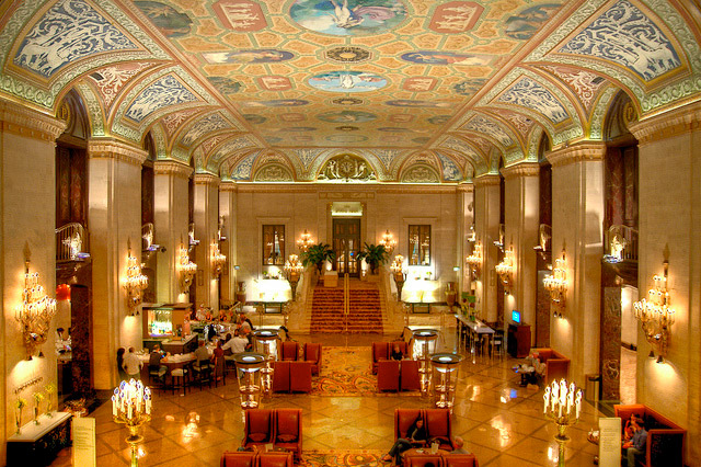 Palmer-House-Hotel-lobby-in-Chicago