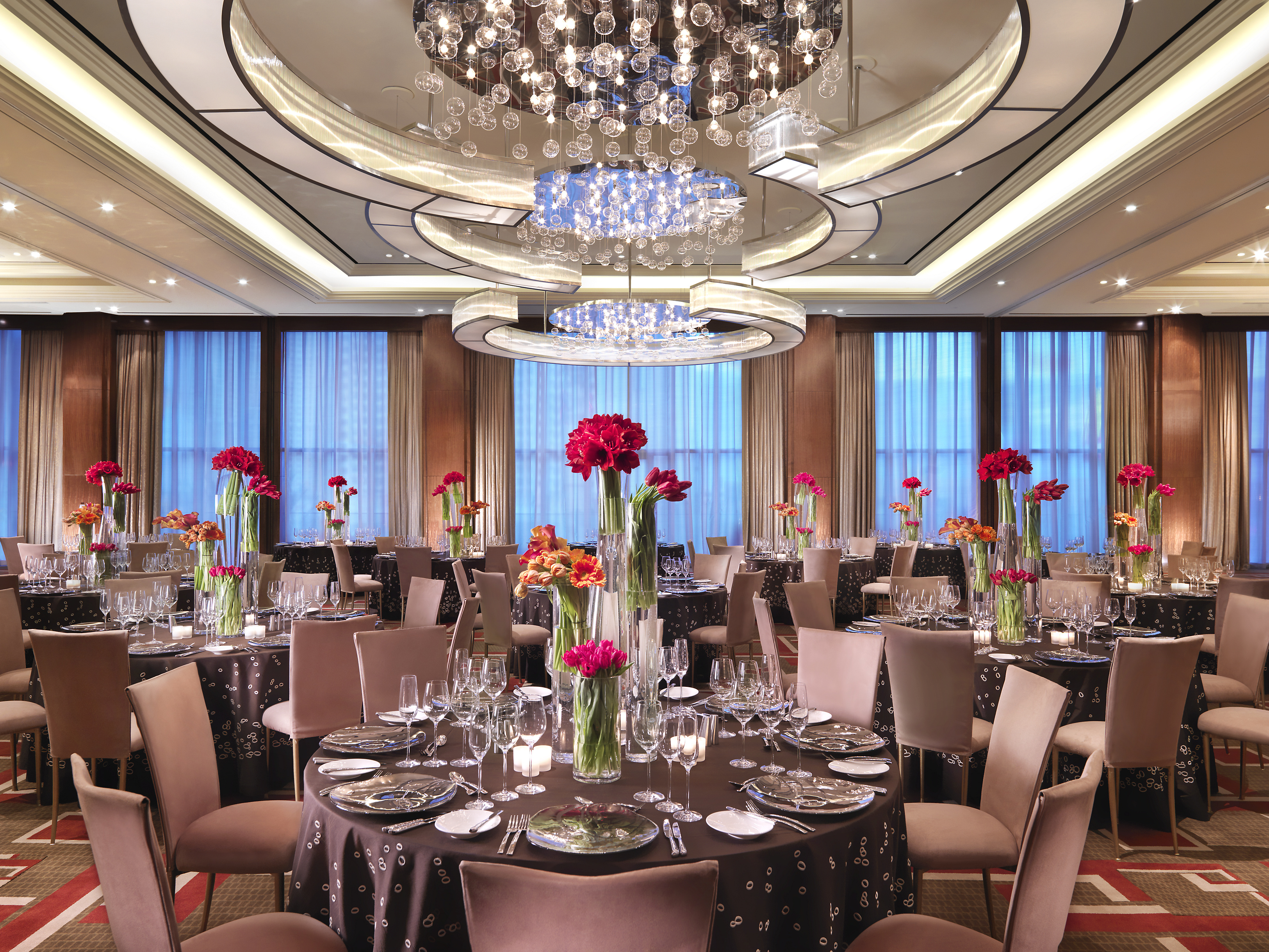 las-vegas-event-room-ballroom-banquet-tables-1