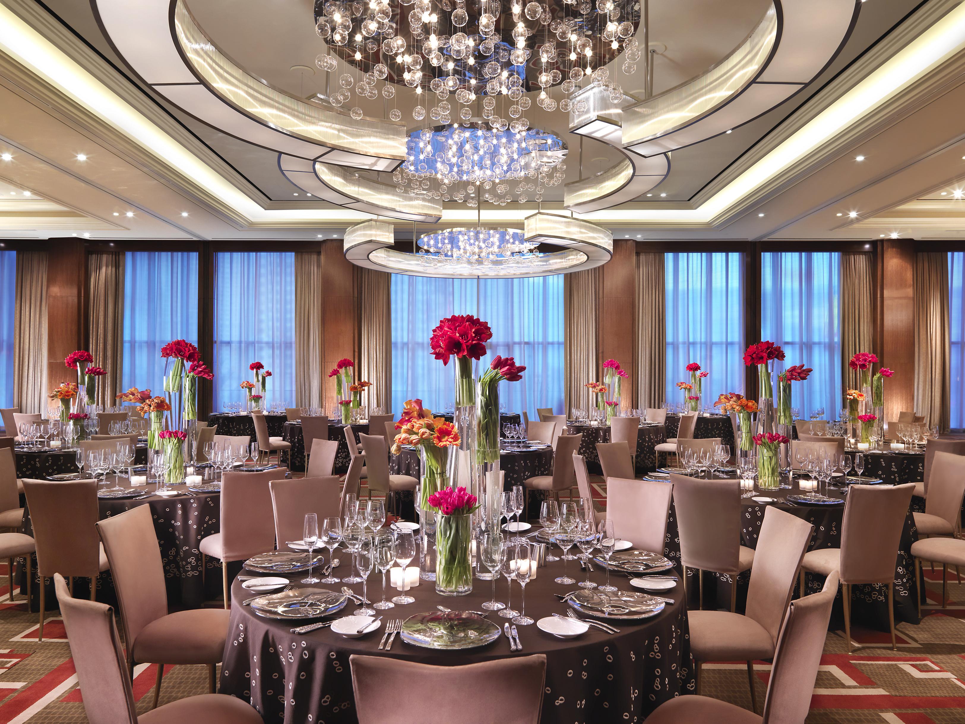las-vegas-event-room-ballroom-banquet-tables-1