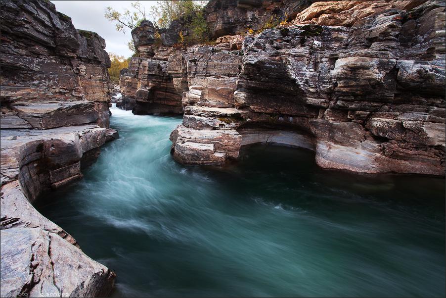 rapid-flowing-abisko-river-in-sweden2