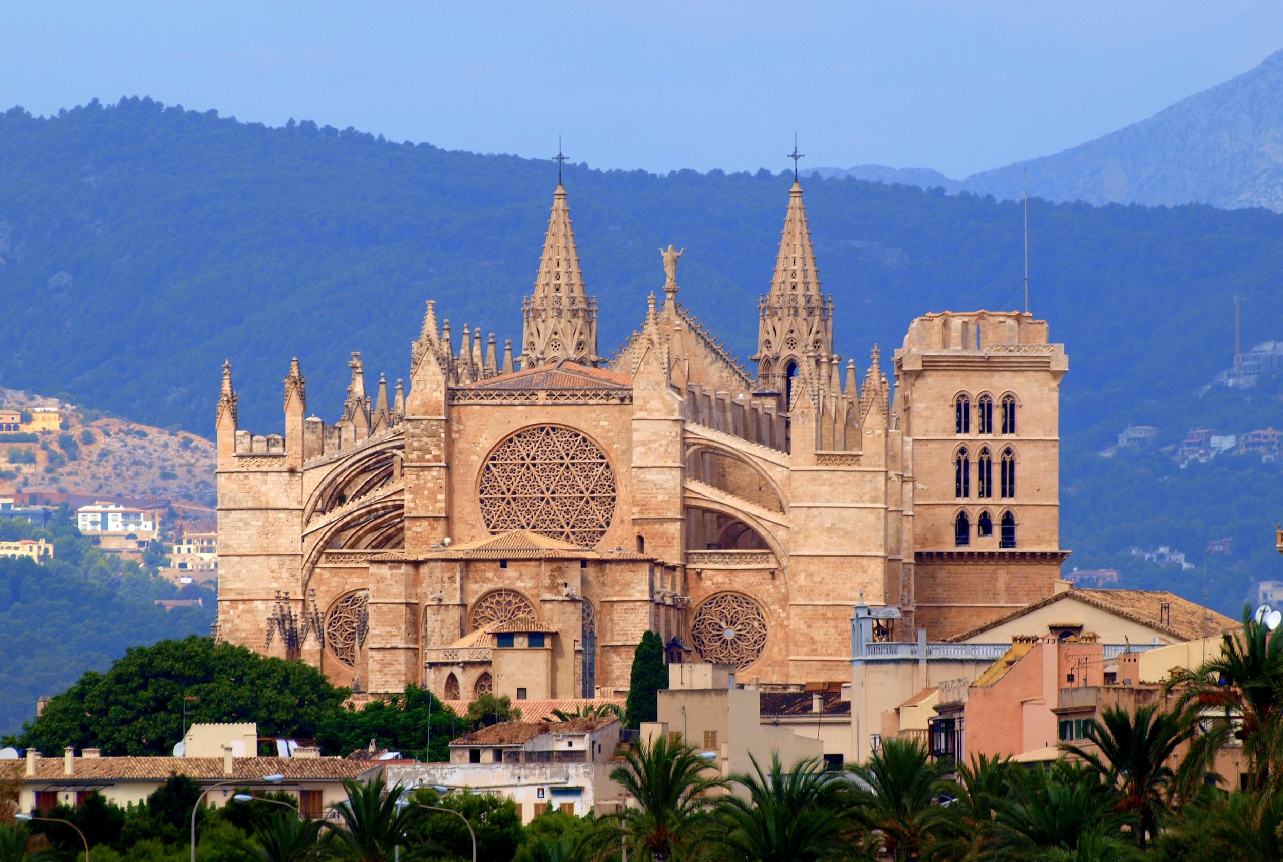 Cathetral-La-Seu-in-Palma-de