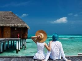 Sweet-romantic-couple-honeymoon