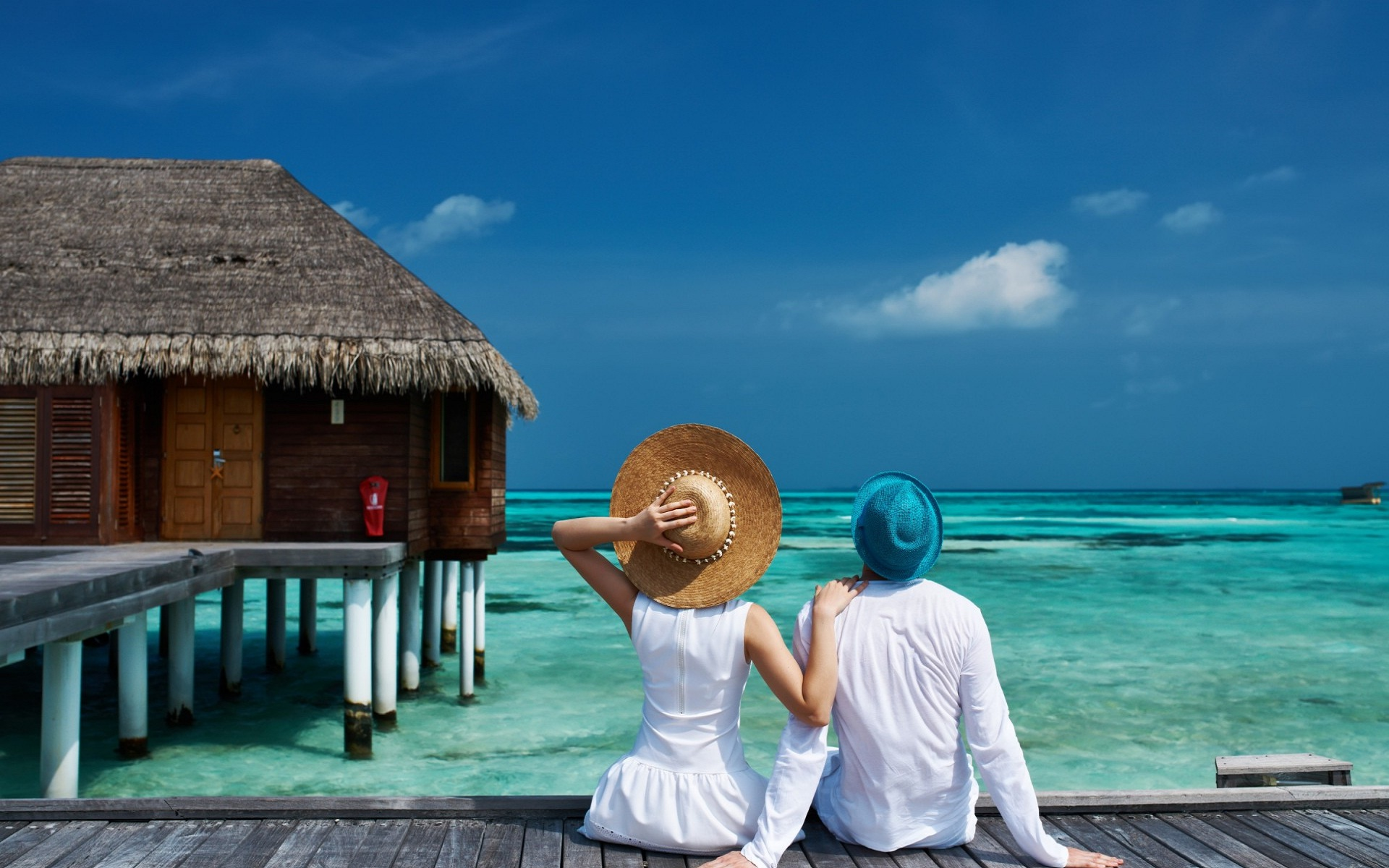 Sweet-romantic-couple honeymoon destinations
