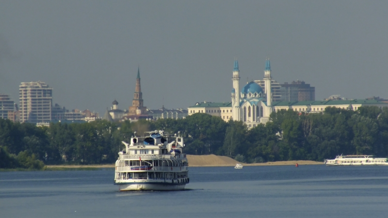 Cruise on Volga