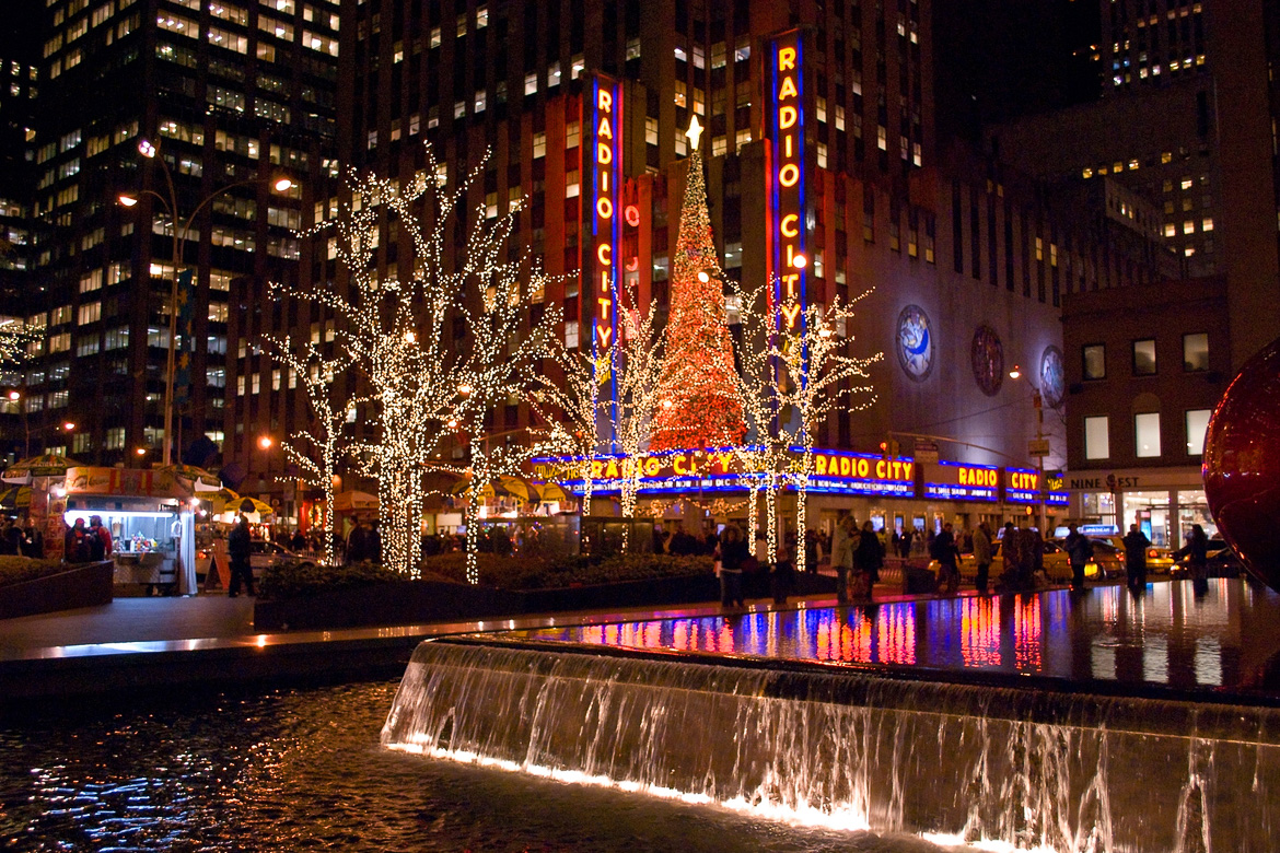 New York During Christmas Time.Christmas Time In New York Best Travel Tips